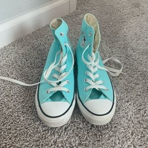 Chuck Taylor Converse All Stars in Light Blue